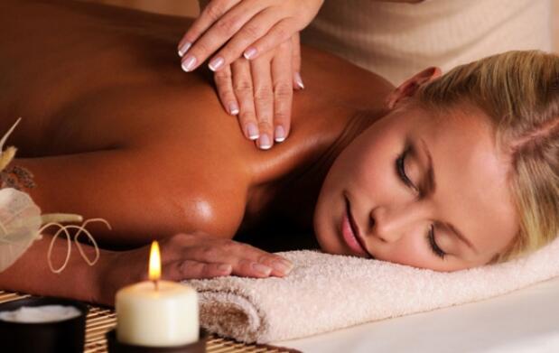 Masaje corporal y facial relajante