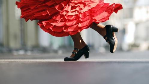 Aprende a bailar flamenco y sevillanas. Válido para todos los niveles