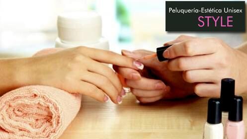 Manicura semipermanente, peeling y masaje
