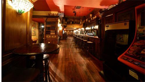 Ven a Swing Tavern los fines de semana, disfruta de la mejor música