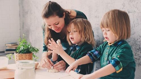 Taller de repostería en familia para niños y adolescentes